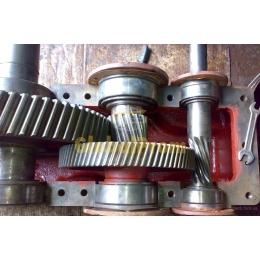 Шестерні та комплектуючі до редукторів і мотор-редукторів