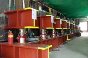 Промышленный гидравлический домкрат: устройство и принцип работы